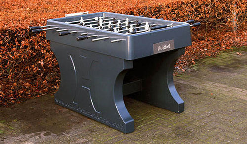 "Kicker ""Outdoor"" aus Beton"